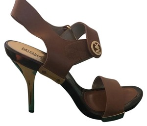 94cd95c3ff1 Brown Michael Kors Sandals - Up to 90% off at Tradesy
