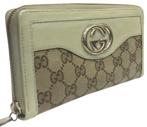 Gucci Gucci white canvas and leather iconic monogram wallet