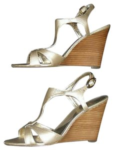 Circa Joan & David Wedges