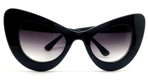 Elle Cross Elle Cross Designer Black Glossy Frame Designer Cat Eyes Sunglasses