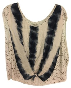 Ecote Loose Two-toned Patterned Blue Top white