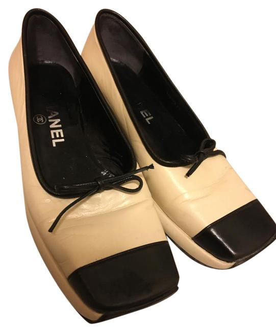 Chanel Cream and Black Leather Mini Wedge Flats Size US 6.5 Regular (M, B) Chanel Cream and Black Leather Mini Wedge Flats Size US 6.5 Regular (M, B) Image 1