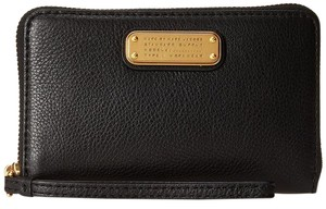 Marc by Marc Jacobs New Q Wingman Leather Wallet 888877110431 M0005358 Wristlet in Black