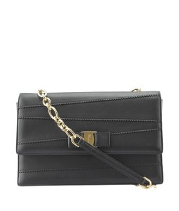 Salvatore Ferragamo Leather Au-21/g124 Shoulder Bag