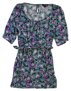 Forever 21 short dress Green Floral 3/4 Sleeve on Tradesy