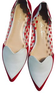 Isa Tapia red Flats