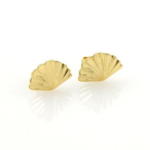 Tiffany & Co. Classic Shell Stud Earrings in 18k Yellow Gold