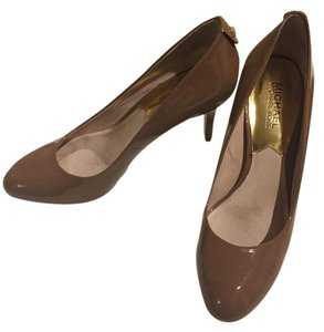 Michael Kors Patent Leather Comfortable Professional Formal Brown/Tan Pumps