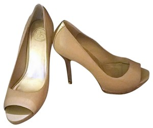 Jessica Simpson Gold and Tan Pumps