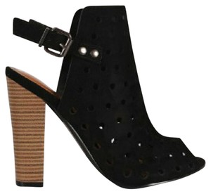 Shoe Republic LA Pumps