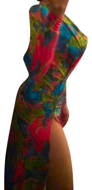Item - Multicolor. Cover-up/Sarong Size OS (one size)