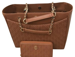 Tory Burch Tote in LUGGAGE
