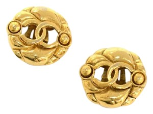Chanel Chanel Gold Tone CC Logo Round Earrings CE438