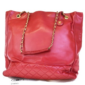da4ed74c9702 Chanel Vintage Gold Hardware Quilted Leather Luxury Tote in red