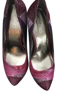 ALDO patterns of purple Platforms