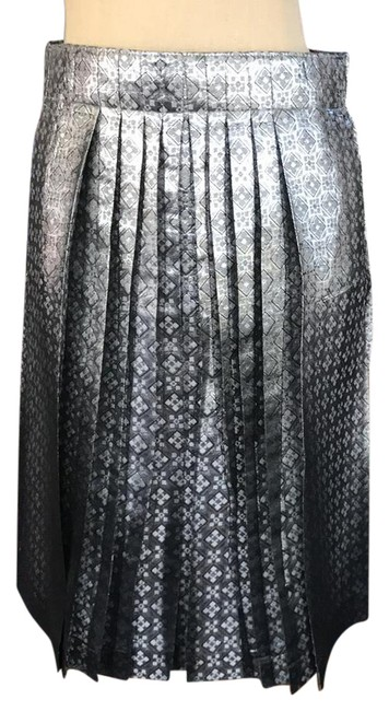 Item - Silver Jacquard Never Been Worn Metallic Pleated Skirt Size 2 (XS, 26)