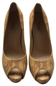Preview Collection tan Pumps