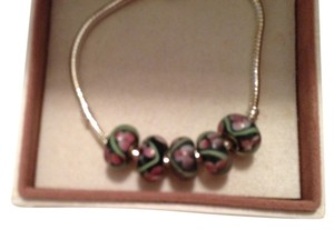 Bella & Chloe Set of 5-European Style Murano Lampwork glass Bead; Black, Pink and Green Beads. 4 mm hole.