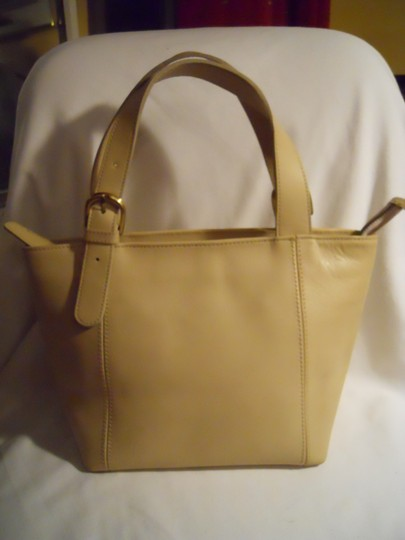 unknown Leather Tote in beige Image 11