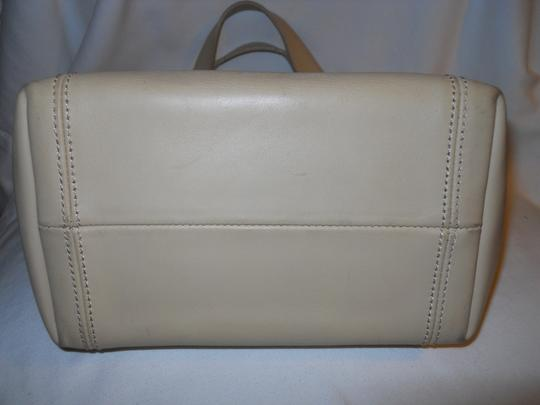 unknown Leather Tote in beige Image 5