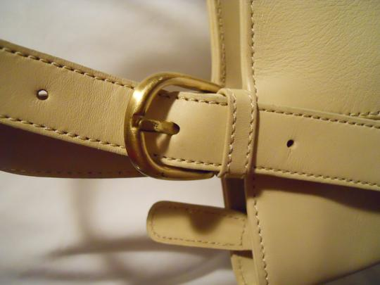 unknown Leather Tote in beige Image 7