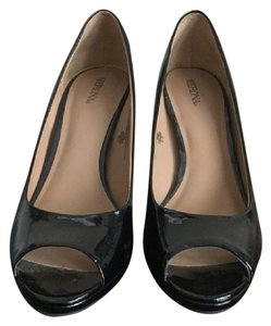 Mossimo Supply Co. Patentleather black Pumps