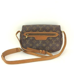 Louis Vuitton Vintage Leather Monogram Luxury Cross Body Bag