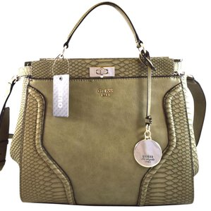 Guess Satchel in olive