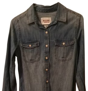 Mossimo Supply Co. Shirt Western Pockets Casual Distressed Vintage Target Button Down Shirt Denim