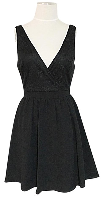 Preload https://img-static.tradesy.com/item/21199813/lace-flared-elegant-chic-short-formal-dress-size-8-m-0-1-650-650.jpg