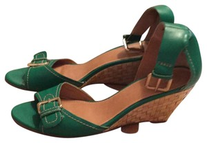Kelsi Dagger green Wedges