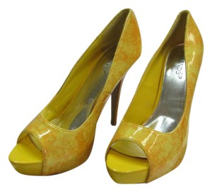 Trends up Patent Size 10.00 M Very Good Condition Yellow Platforms