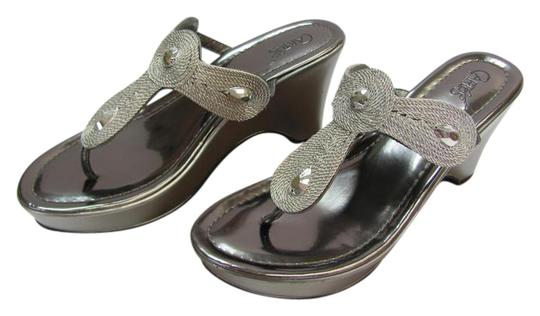 Preload https://img-static.tradesy.com/item/21200959/carlos-by-carlos-santana-silver-m-padded-footbed-very-good-condition-sandals-size-us-9-regular-m-b-0-1-540-540.jpg