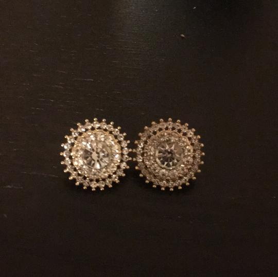 Preload https://img-static.tradesy.com/item/21201133/macy-s-gold-base-with-crystals-earrings-0-0-540-540.jpg