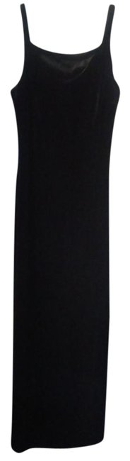 Preload https://img-static.tradesy.com/item/21201169/maurices-black-classic-long-formal-dress-size-6-s-0-1-650-650.jpg