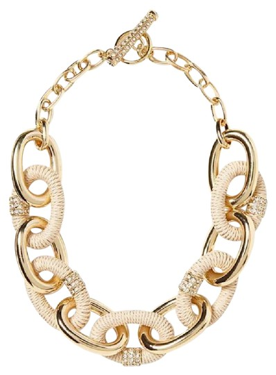 Preload https://img-static.tradesy.com/item/21201264/banana-republic-pink-and-gold-wrapped-statement-necklace-0-1-540-540.jpg