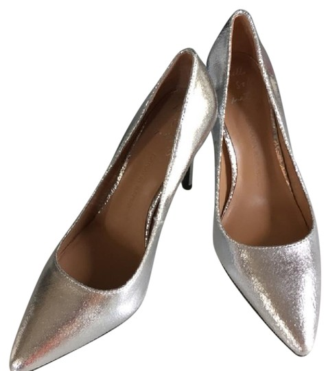 Preload https://img-static.tradesy.com/item/21201445/banana-republic-silver-cracked-leather-pumps-size-us-6-regular-m-b-0-1-540-540.jpg