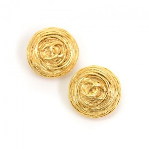 Chanel Chanel Gold Tone CC Logo Round Earrings CE327
