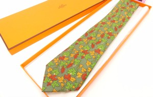 Herms Hermes Moss Green 100% Silk Leaf Pattern Tie With Box