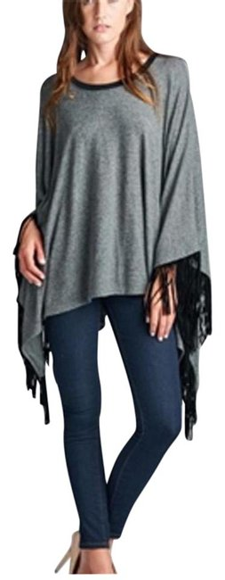 Preload https://img-static.tradesy.com/item/21202670/grey-women-s-bohemian-fringe-tassel-shark-bite-tunic-blouse-size-12-l-0-1-650-650.jpg