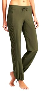 Athleta Casual Yoga Ruched Relaxed Pants Green