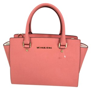 Michael Kors Saffiano Leather Purse Selma Satchel in Pink Grapfruit/Gold