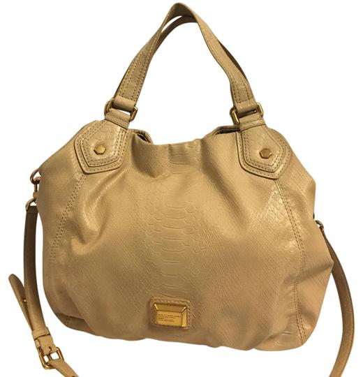 Preload https://img-static.tradesy.com/item/21203076/marc-by-marc-jacobs-classic-q-fran-snake-embossed-beige-satchel-0-1-540-540.jpg