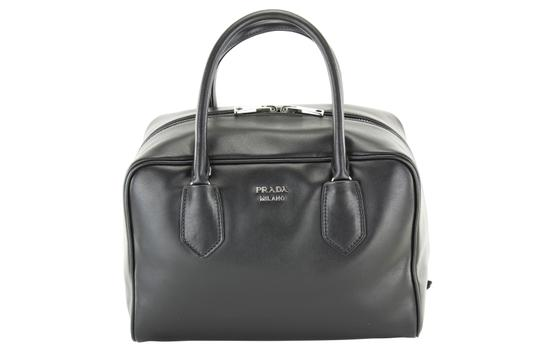 Preload https://img-static.tradesy.com/item/21203216/prada-bauletto-inside-soft-calf-womens-black-pink-leather-tote-0-0-540-540.jpg
