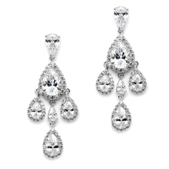 Preload https://img-static.tradesy.com/item/21203313/silverrhodium-brilliant-crystal-petite-chandelier-earrings-0-1-540-540.jpg