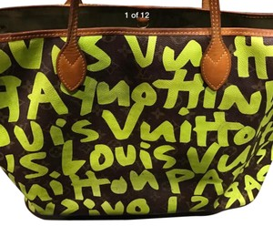 Louis Vuitton Tote in Neon Green