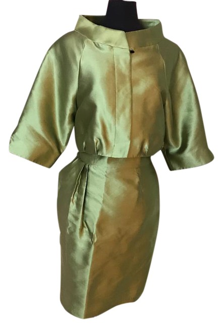 Preload https://img-static.tradesy.com/item/21204106/zenobia-silk-green-d-shorts-suit-size-6-s-0-1-650-650.jpg