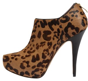 Vince Camuto Animal Print Leopard Edgy Chic Brown, Black Boots