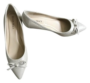Ellen Tracy Patent Leather light Gray/Nude Pumps
