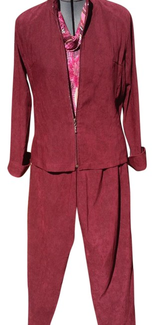 Preload https://img-static.tradesy.com/item/21204878/caribe-maroon-two-piece-pant-suit-size-4-s-0-1-650-650.jpg
